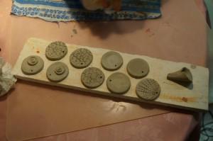 Глиняные заготовки для сережек