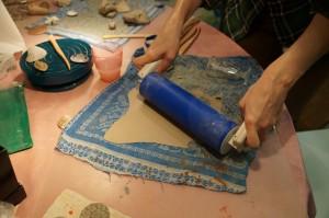 Раскатываем глину