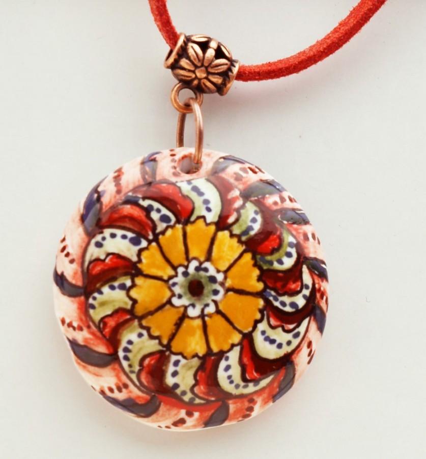 Керамические украшения в технике майолика